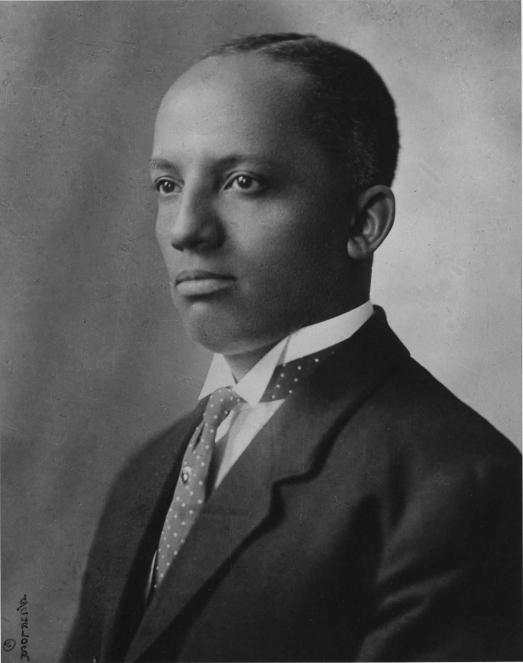 the early life story of dr carter g woodson and his life achievements The story of black history month begins in 1915, half a century after the thirteenth amendment abolished slavery in the united states that september, the harvard-trained historian carter g woodson and the prominent minister jesse e moorland founded the association for the study of negro life and history (asnlh), an organization dedicated.